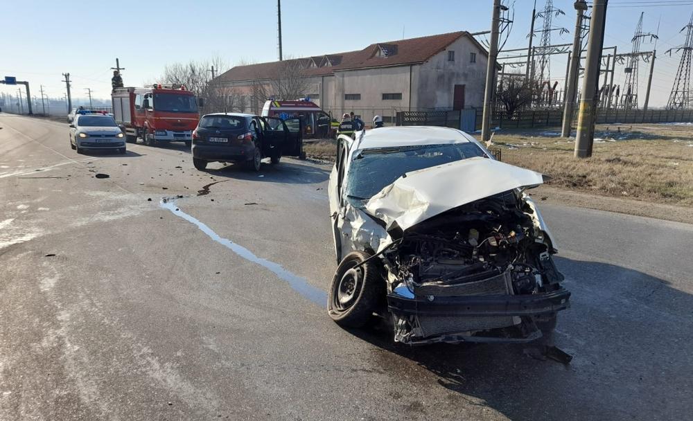 Accident rutier la Urziceni cu trei autoturisme implicate