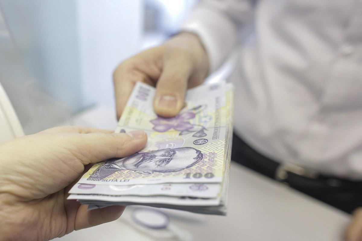 Salariile în instituțiile subordonate Consiliului Județean, luate din nou în discuție de consilieri