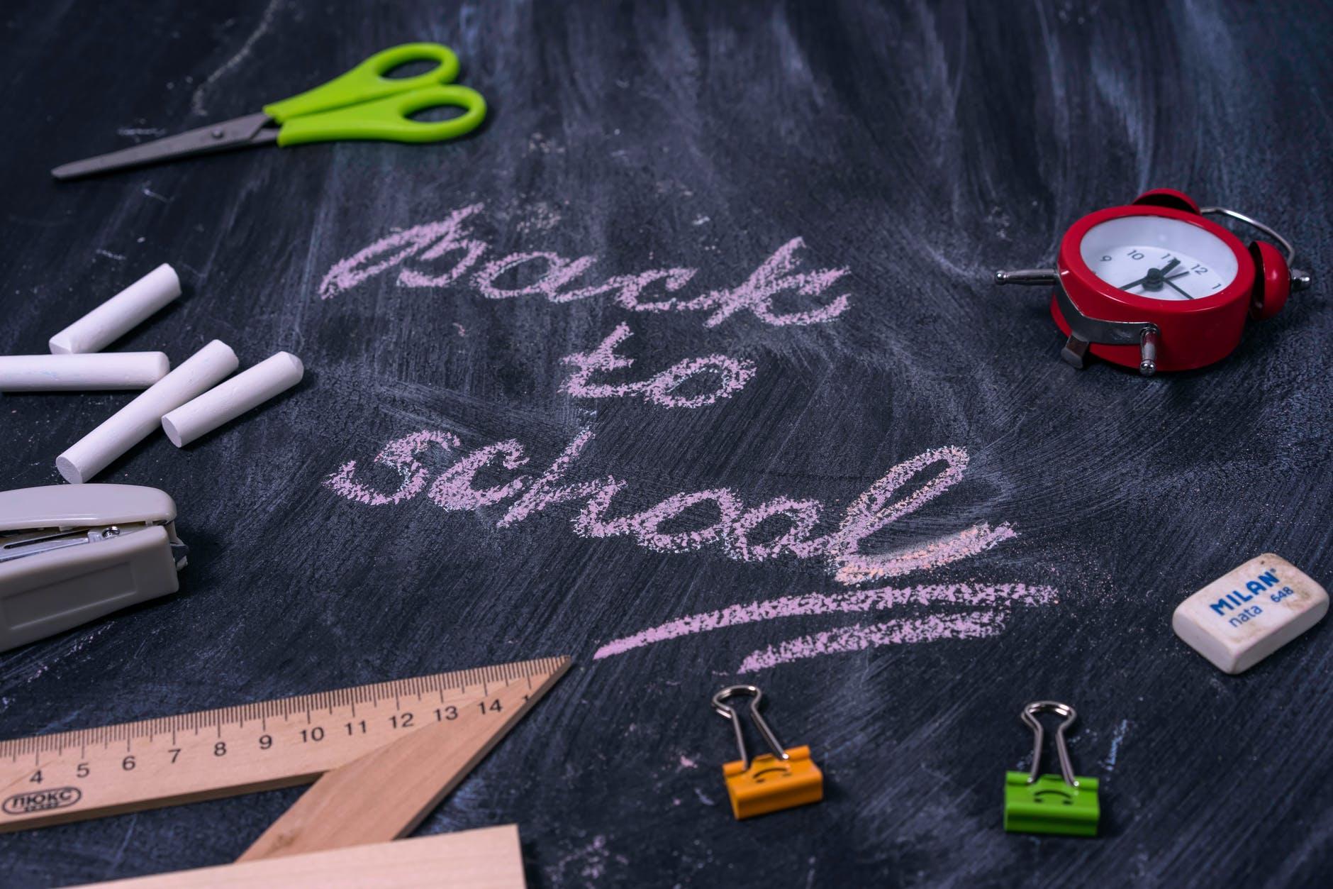 Școlile din Slobozia și Urziceni trec în scenariul verde. Când se vor întoarce toți elevii în clase?