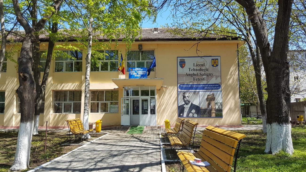 Un liceu din Fetești își închide sălile de curs din cauza Covid-19